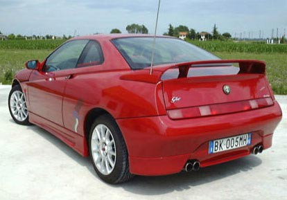Cadamuro Rear Spoiler GTV  1469 on alfa romeo 8c spider